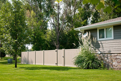 Almond Embossed Lakeview Fence