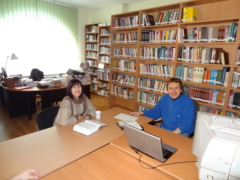 ERSU Seminary tutorial - librarian Dmitro and Erika