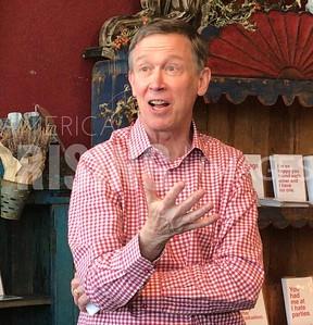 John Hickenlooper Speaks at meet and greet in Vernon, IA