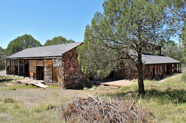 Abandoned trading post, bar and restaurant (2018)