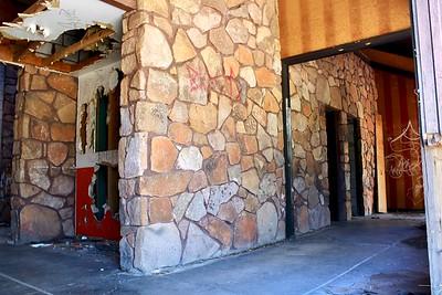 Abandoned bar and restaurant (2018)