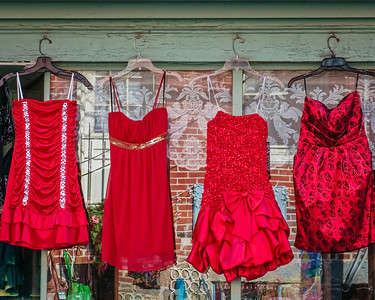 Red Dresses 4031