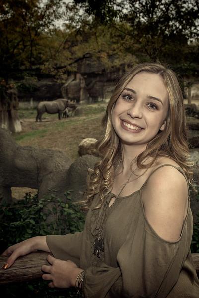 Cincinnati High School Senior Photos at Cincinnati Zoo
