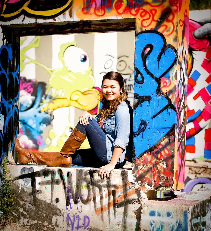 Liz Wien -111712-122-blur fod