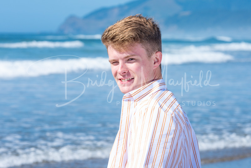 Ryan Vache Senior Photos_HR-65