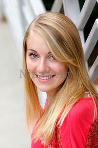 Rachel S (25)