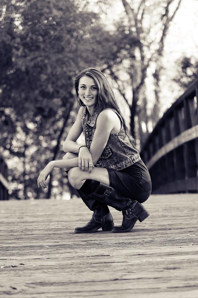 Caitlin (35)bw