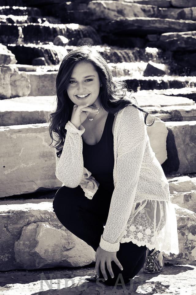 Kendall V  (15)bw