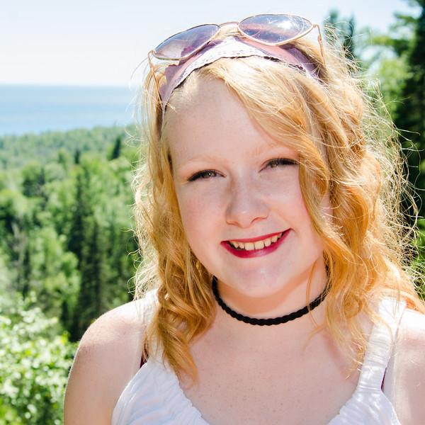 Senior portrait of girl in Duluth
