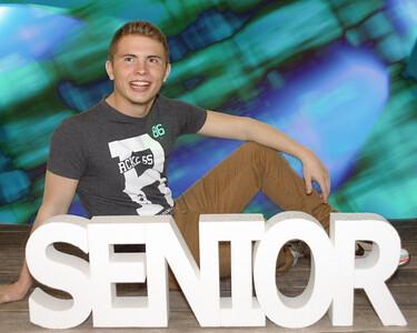 P3301133_pp 13-seniors-background
