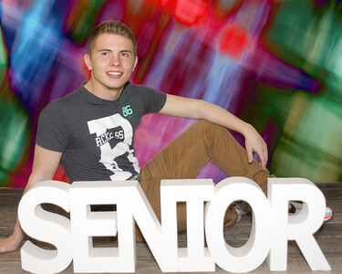 P3301134_pp 15-seniors-background