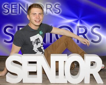 P3301136 39-seniors-background