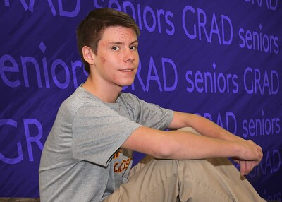 001_0015 109-seniors-background