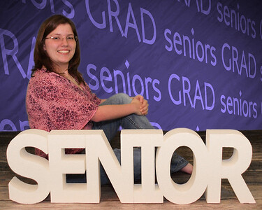 001_0033 109-seniors-background