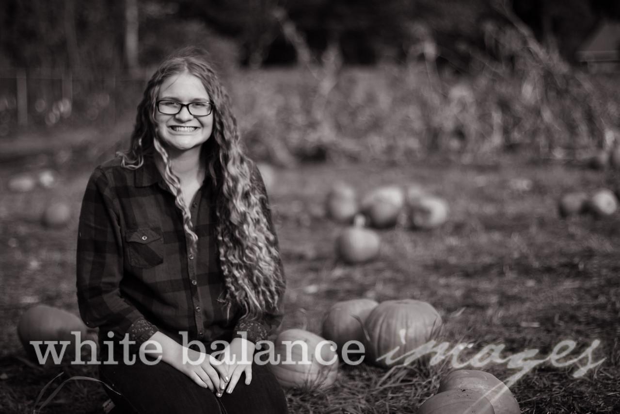 Maddie Simmons Fall Portraits 25