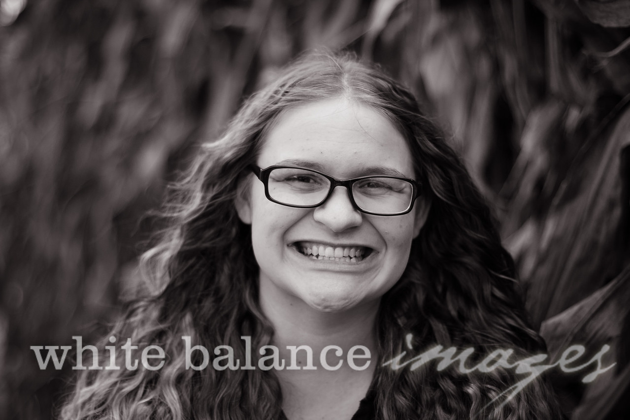 Maddie Simmons Fall Portraits 16