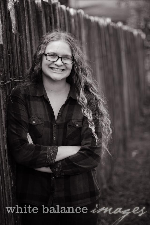 Maddie Simmons Fall Portraits 19