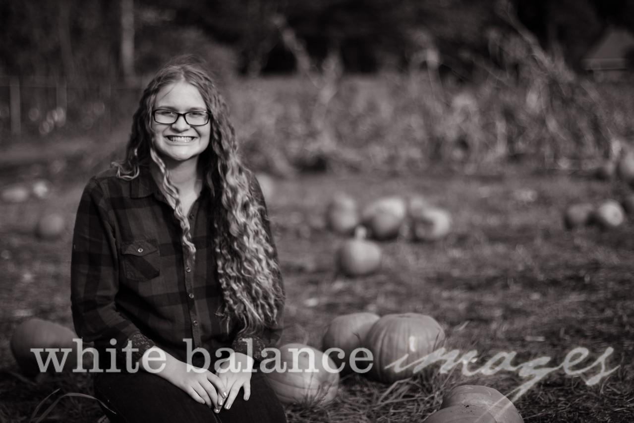 Maddie Simmons Fall Portraits 26