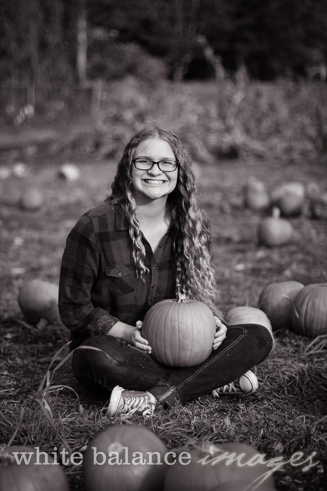 Maddie Simmons Fall Portraits 27