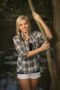This Germantown Senior posed right next to the Bark River for a casual look for a portion of her Senior Photos.