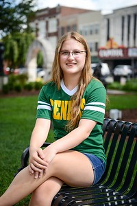 alyssa_fleschner_senior_009_alternate