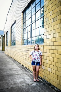 alyssa_fleschner_senior_002_alternate