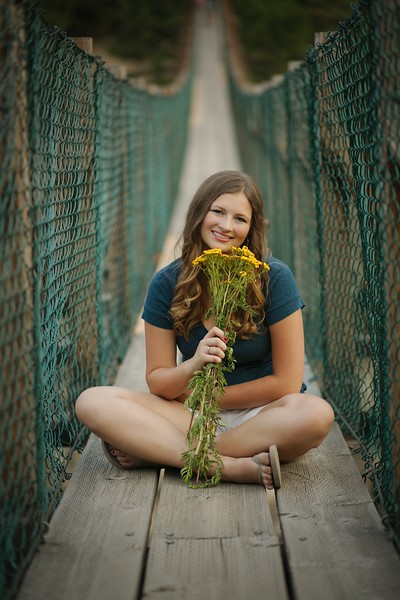Swinging bridge and her bouquett