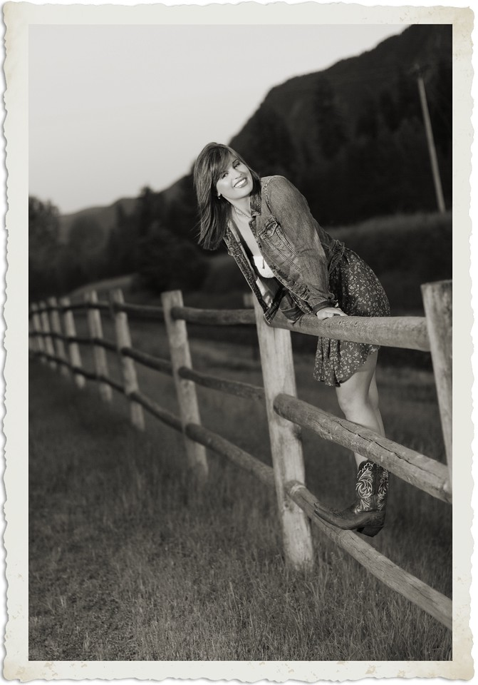 Another fenceline shot vintage style