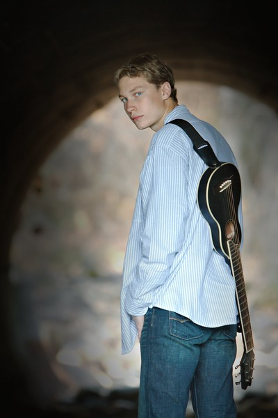 Brenden , the musician shot in the tunnel