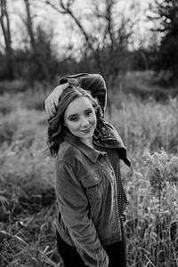 00007©ADHphotography2020--AddisonBroz--Senior--December1bw