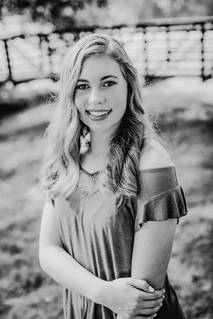 00006--©ADHPhotography2018--AmandaHorinek--Senior--August10