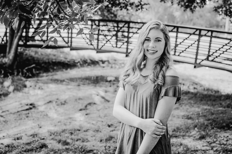 00012--©ADHPhotography2018--AmandaHorinek--Senior--August10