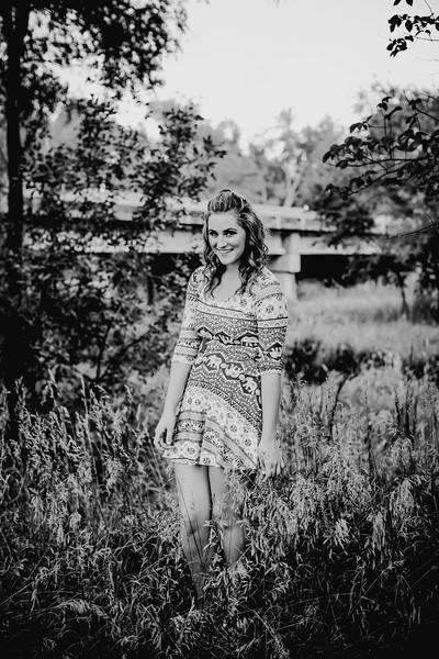00004--©ADHPhotography2017--FeliccaOvery--SeniorSeniorSession
