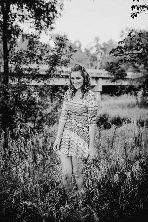 00002--©ADHPhotography2017--FeliccaOvery--SeniorSeniorSession