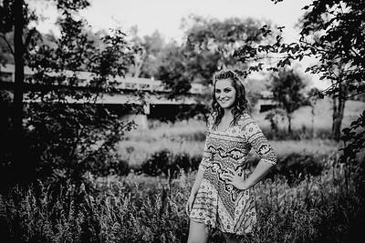 00022--©ADHPhotography2017--FeliccaOvery--SeniorSeniorSession