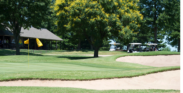 Seventy two players enjoyed perfect weather on a golf course in excellent condition in the two day 36 hole stroke play competition.