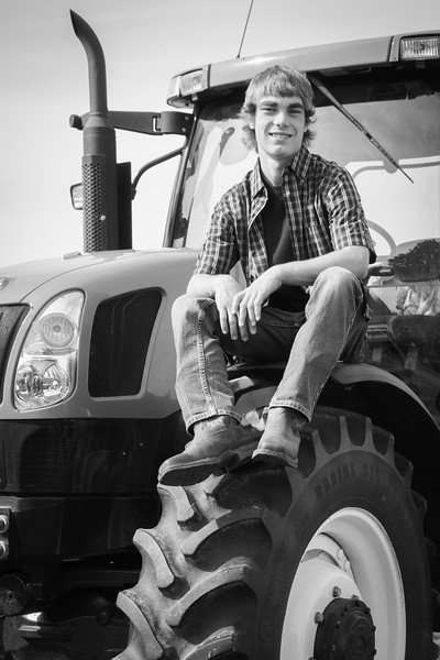Robert_Richter_senior_photos_2017-9175-2