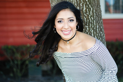 2017_Nahomy-Ibarra_Senior-Photos-167-Edit_Up-to-8x10
