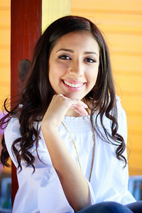 2017_Nahomy-Ibarra_Senior-Photos-072-Edit-2_Up-to-8x10