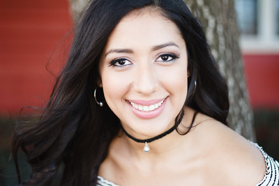 2017_Nahomy-Ibarra_Senior-Photos-163-Edit_Up-to-8x10