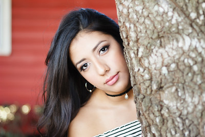 2017_Nahomy-Ibarra_Senior-Photos-141-Edit_Up-to-8x10