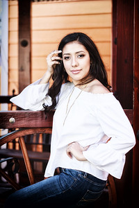 2017_Nahomy-Ibarra_Senior-Photos-038-Edit-2_Up-to-8x10