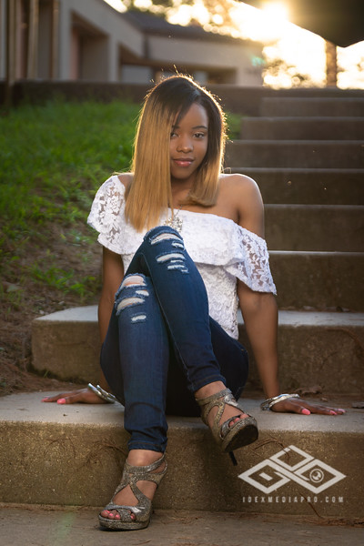 Armecia Senior Portrait-09493