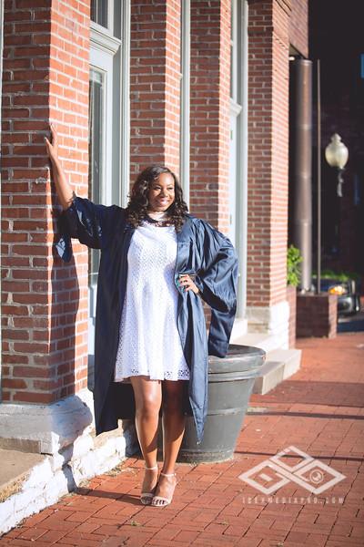 Brittany Dixon Grad-2721