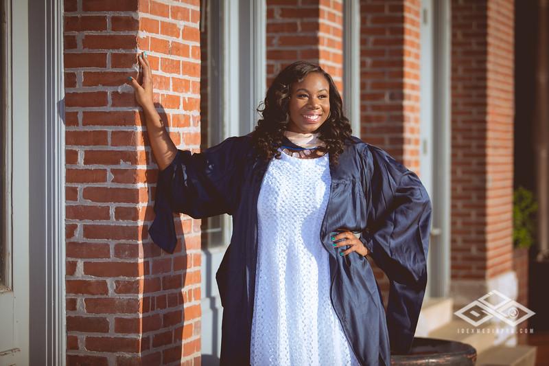 Brittany Dixon Grad-2720