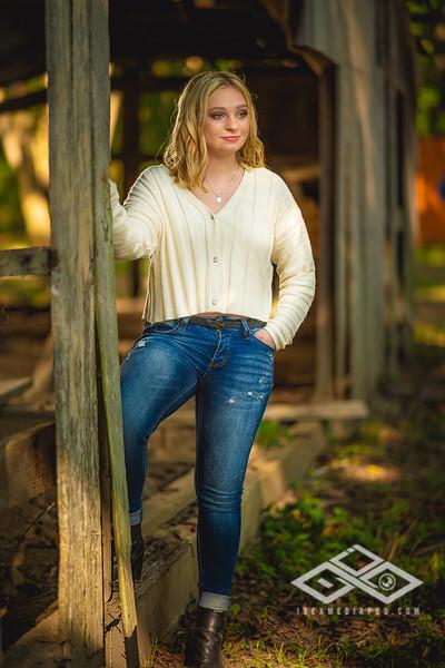 Caitlin Asbury Senior-7306258