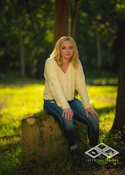 Caitlin Asbury Senior-7306251