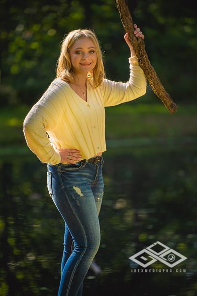 Caitlin Asbury Senior-7306223