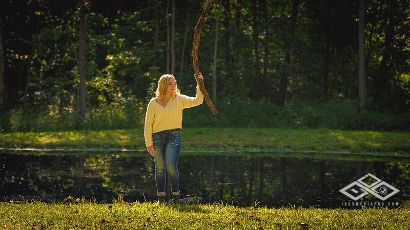 Caitlin Asbury Senior-7306215