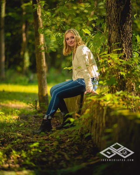 Caitlin Asbury Senior-7306231